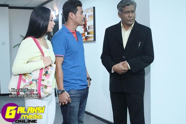 Babak Alif (Amar Asyraf) bersama kekasihnya Ana (Marsha Londoh) bertemu dengan Dato' Hamid (Dato' Jalaluddin Hassan)