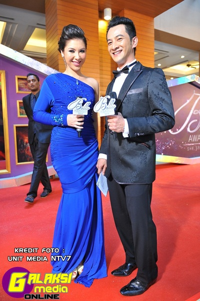 Red Carpet Hosts - Ashley Chan &  Naz Rahman