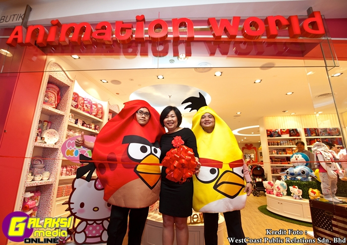 1_Jasmine Chew, Chief Executive Officer of Anakku Sdn Bhd at the official opening of Animation World