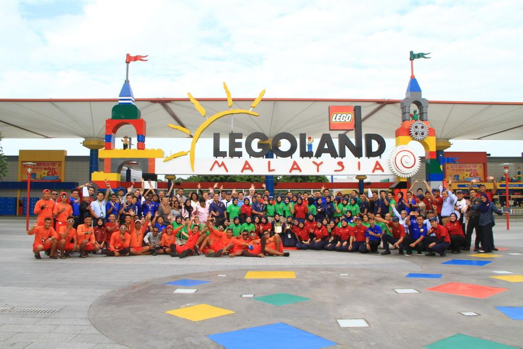Legoland Malaysia - Staff celebrates TripAdvisor Award win