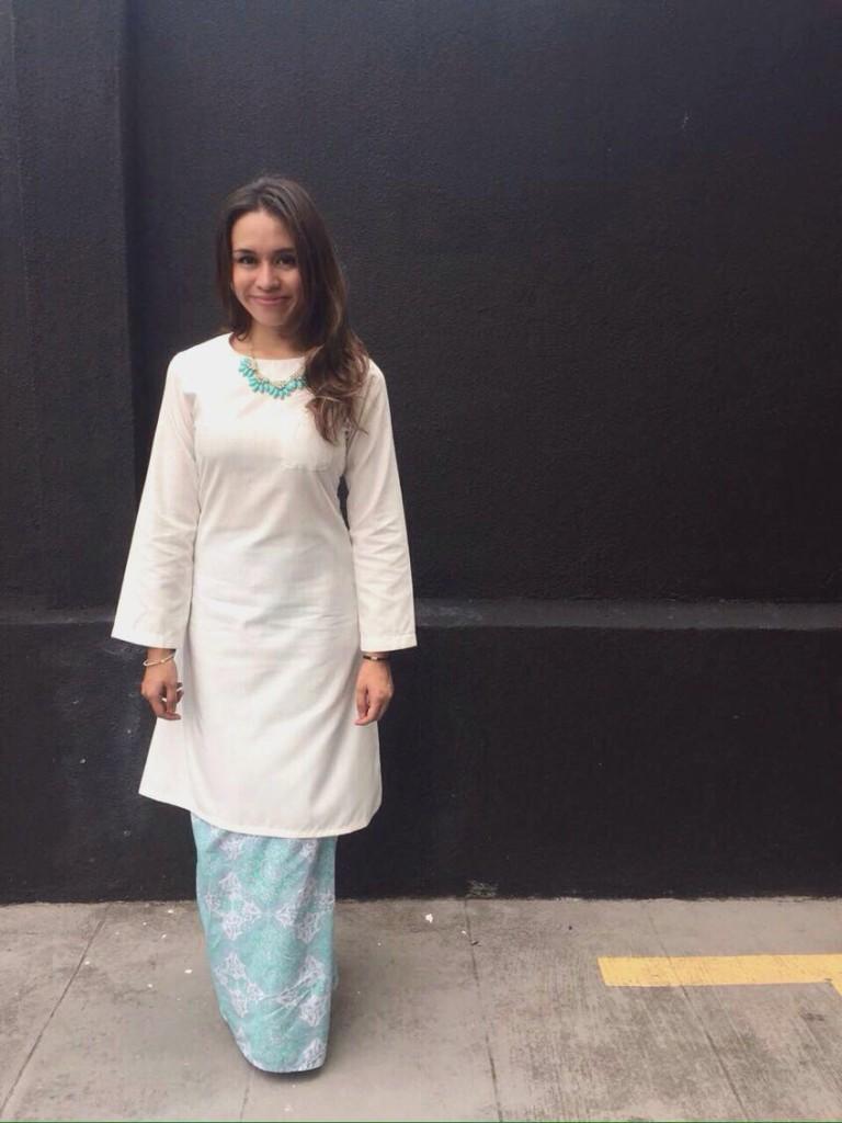 Eliza Razman is wearing MELUR - Off White Cotton Thai Silk Kurung Pahang copy