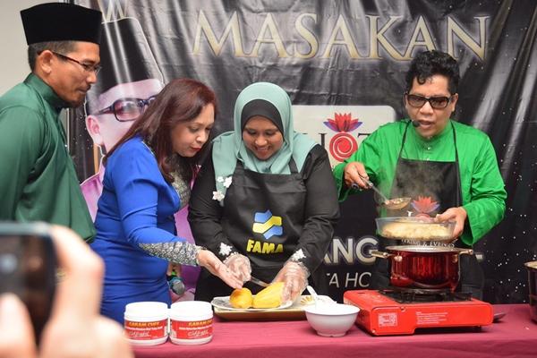 Maria & Chef Yang Jamil