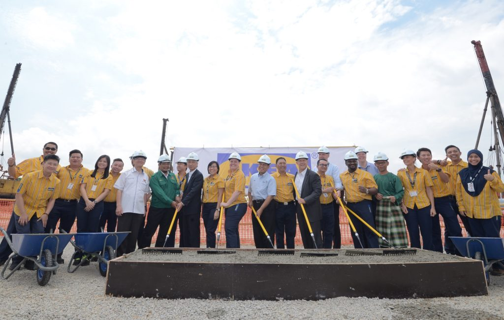 02-ikea-tebrau-cement-pouring-ceremony
