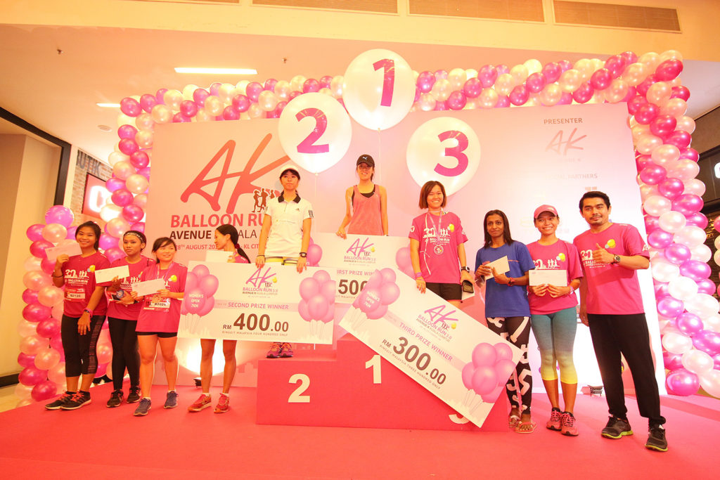 Caption - Group photos with Top 10 winners for Women's Open category (1st prize - Chua Khit Yeng, 2nd prize - Loh Chooi Fern, 3rd prize - Tan Mei Wai
