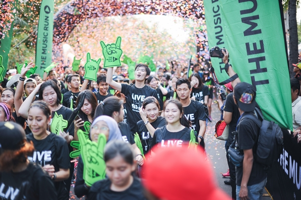 the-music-run_15000-music-runners-at-the-2015-the-music-run-having-the-time-of-their-lives