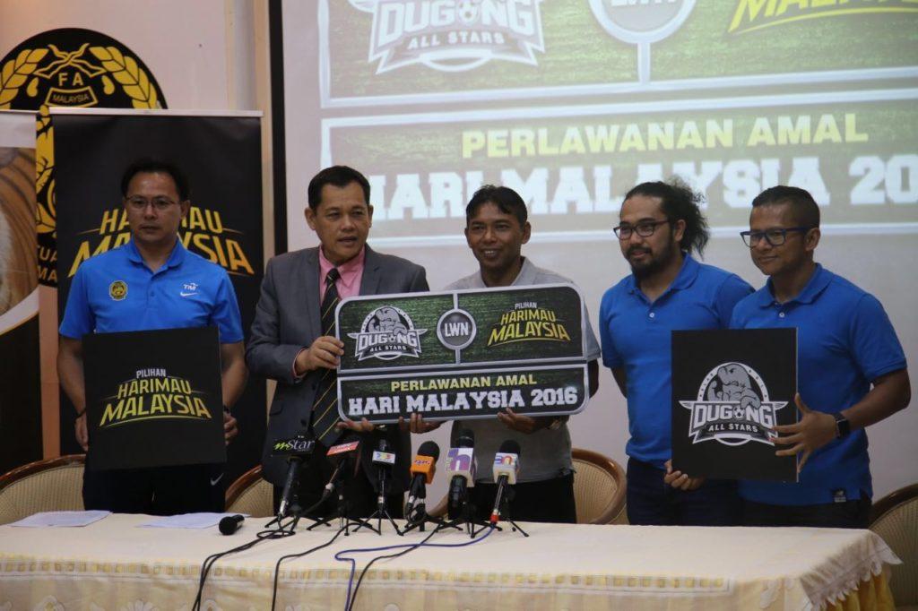 Wakil pasukan Pilihan Harimau Malaysia dan Dugong All Stars