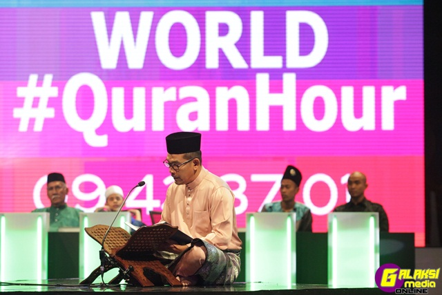 world-quranhour-datuk-rosyam-nor-2