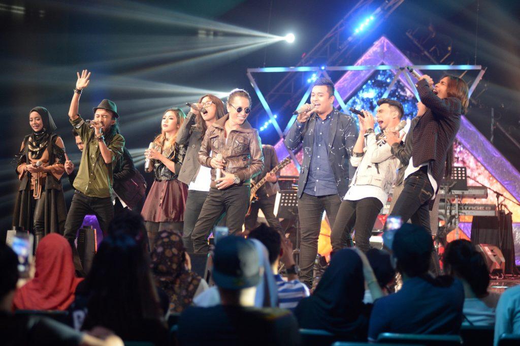 persembahan-penutup-oleh-amy-search-dan-top-6-peserta-genre-rock-3-juara