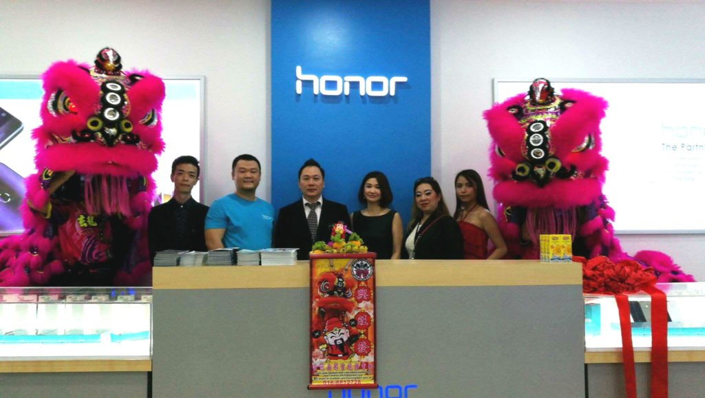 honor-malaysia-concept-store-1